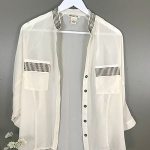 Arden B Button up Ivory studded Blouse M